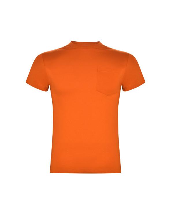 Camiseta de manga corta y cuello redondo de 4 capas. Cubre costuras reforzado en cuello y hombros, costuras laterales y bolsill