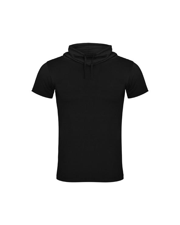 Camiseta manga corta y cuello chimenea con ajuste de cordón. Costura lateral.