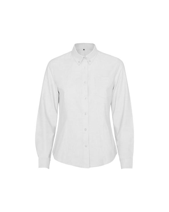 Camisa de mujer con bolsillo en pecho izquierdo. Tapeta con botones. Cuello abotonado. Puño con dos pinzas. Espalda con canesú.