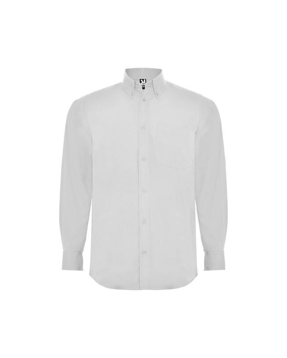 Camisa de manga larga, cuello clásico almidonado de 1 botón y bolsillo frontal izquierdo. Tapeta con 7 botones a tono. Bajo con