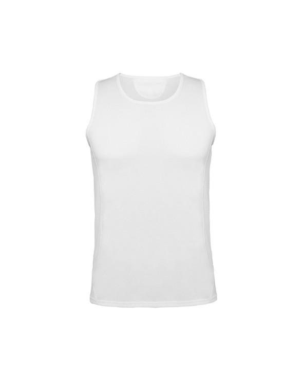 Camiseta técnica de tirantes. Costura angular para mejorar adaptación.
